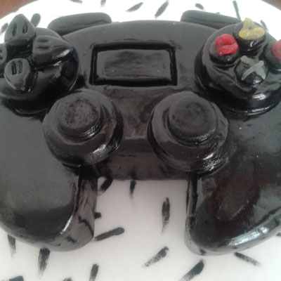 gaming birthday cake by Sweet Green Icing